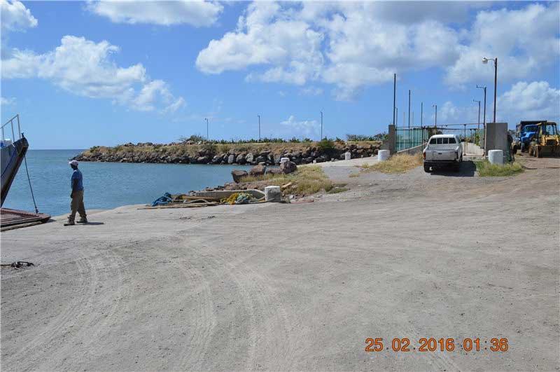 尼維斯島 - Marina harbour
